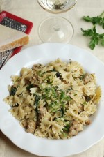 Creamy-sausage-and-spinach-pesto-pasta.jpg