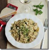 Creamy sausage and spinach pesto pasta