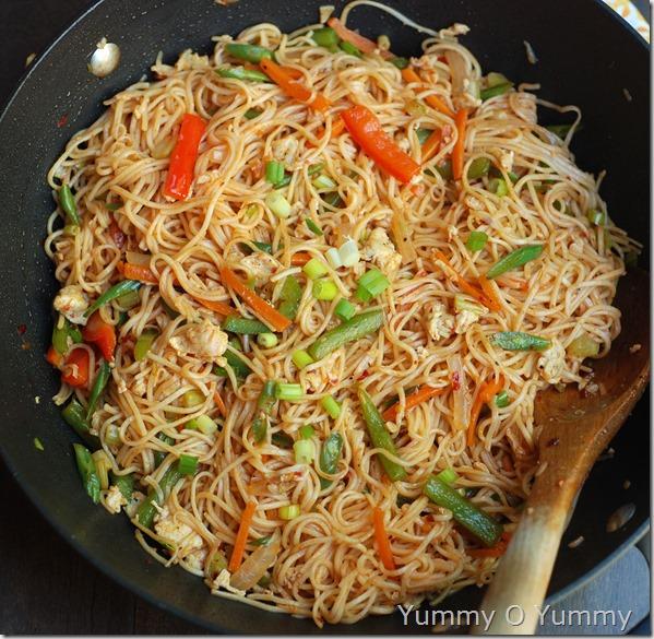 Egg and vegetable noodles