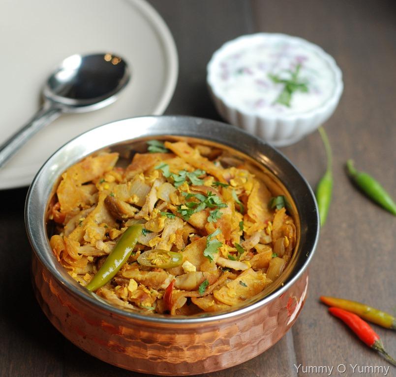 Chicken Recipe Kerala: Chicken And Egg Kothu Chapathi