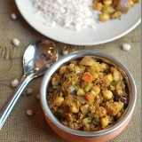 White-chana-and-veggie-ularthu_thumb.jpg