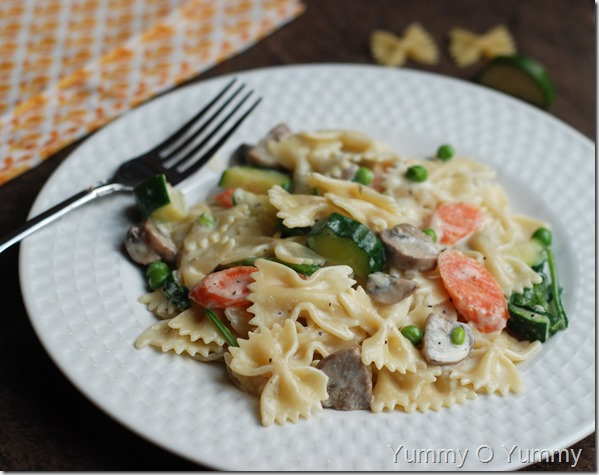 Vegetable alfredo pasta