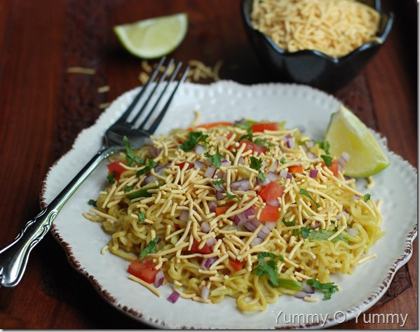 Vegetable noodle bhel